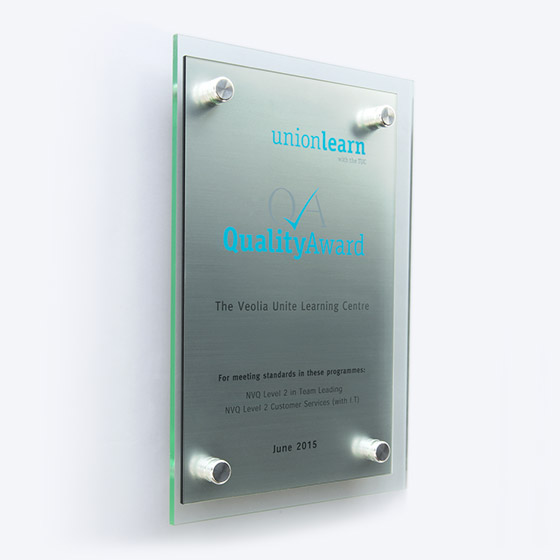 twin-layer-acrylic-glass-effect-plaque